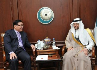 Mr. Li Huaxin, Ambassador of Beijing to Riyadh, underscores China's friendship to Yousef A. Al-Othaimeen, Secretary General of the Organization of Islamic Cooperation (OIC).
