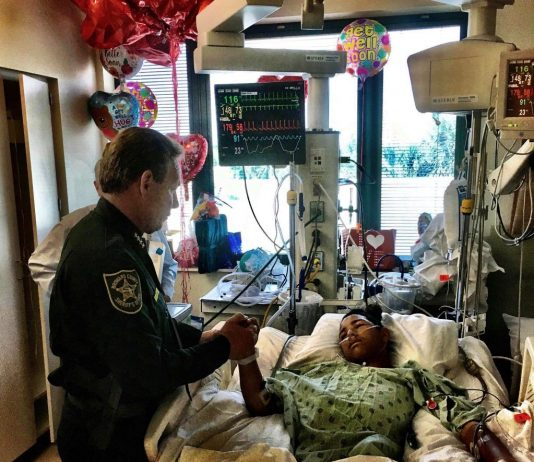 Broward County Sheriff visits 15 year old hero, shooting victim Anthony Borges. via @browardsheriff on Twitter