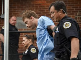 Waffle House alleged shooter Travais Reinking taken into custody.